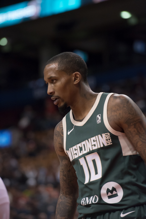 Brandon Jennings firepower not enough to take down the surging 905 ... 6070b8f63